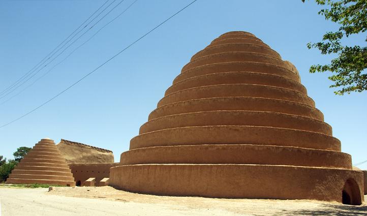 یخدان های سنتی سیرجان