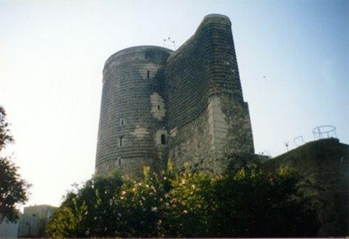 قيزلار قلعه سي (قلعة دختران)